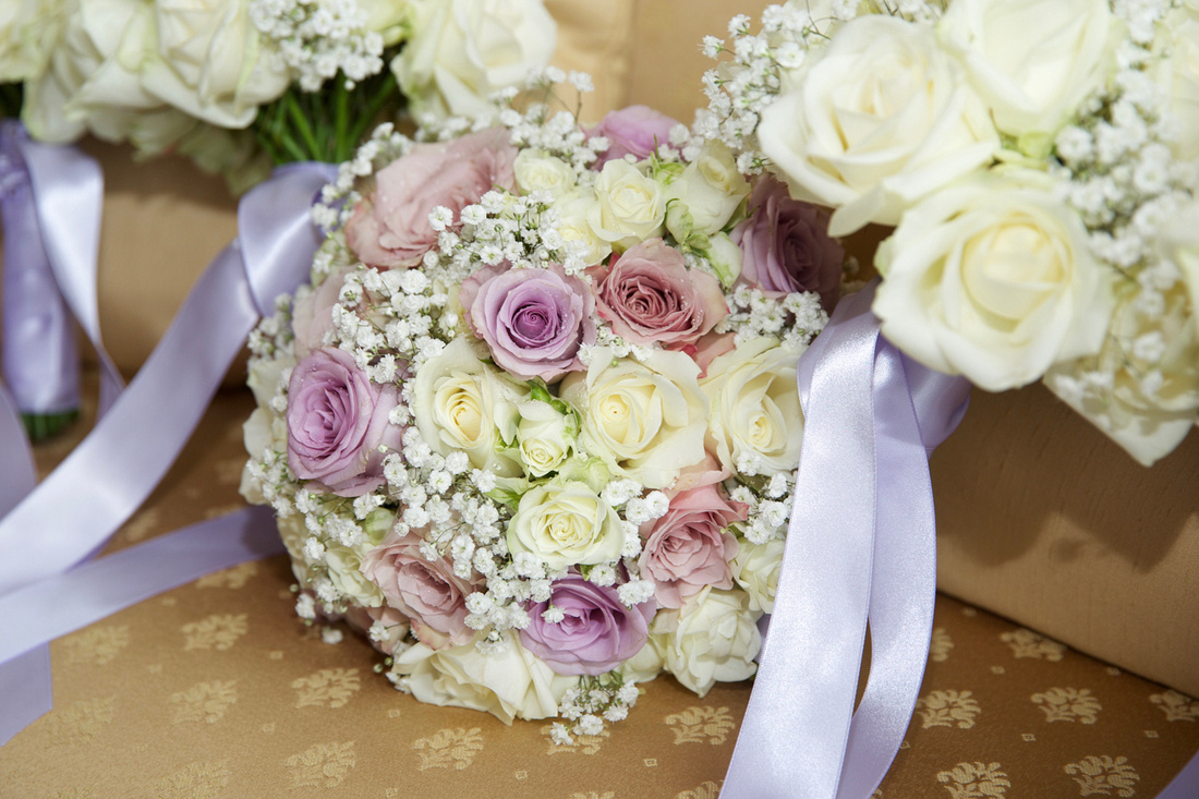 Photo of a wedding bouquet of roses